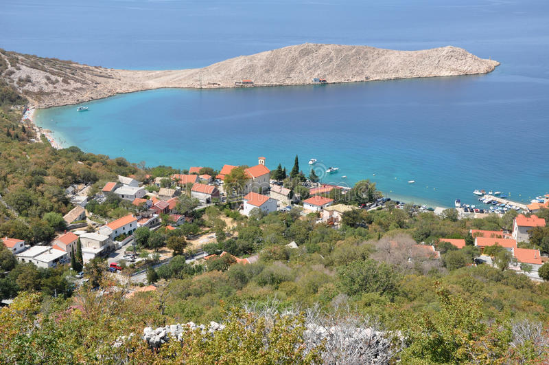 Деревня на хорватском морском побережье стоковая фотография rf