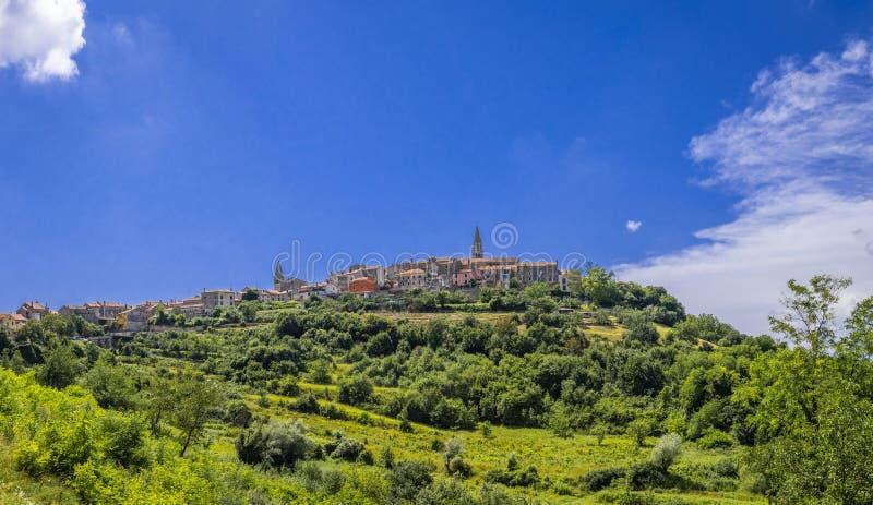 Деревня Buje в Istria, Хорватии стоковые изображения