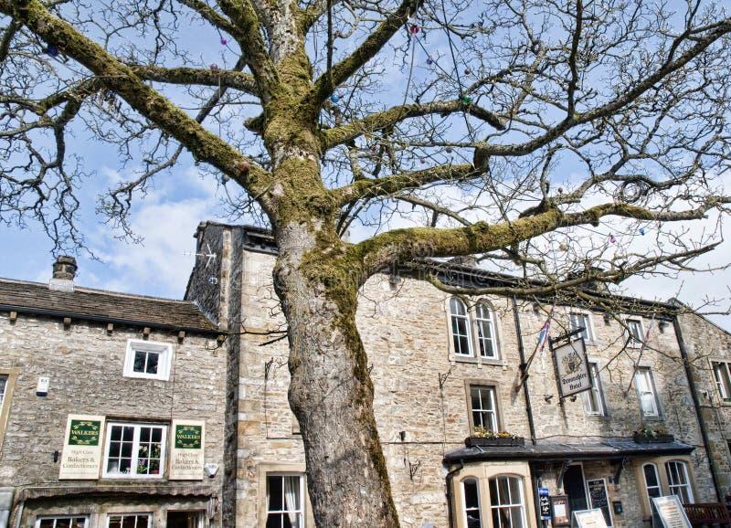 Деревня Grassington в участках земли и Linton Йоркшира падает стоковое изображение rf