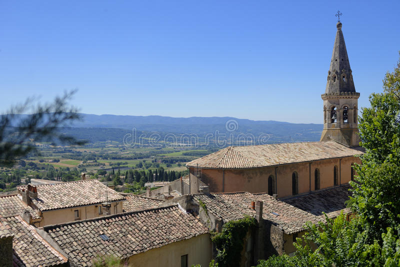 Деревня Saturnin-lès-Apt Святого в Провансали стоковое фото