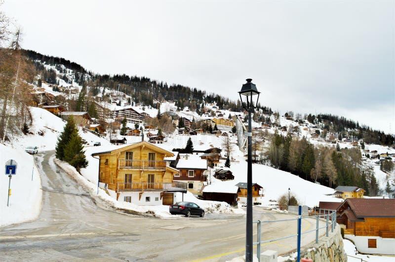 Деревня Tzoumaz touristic стоковые изображения