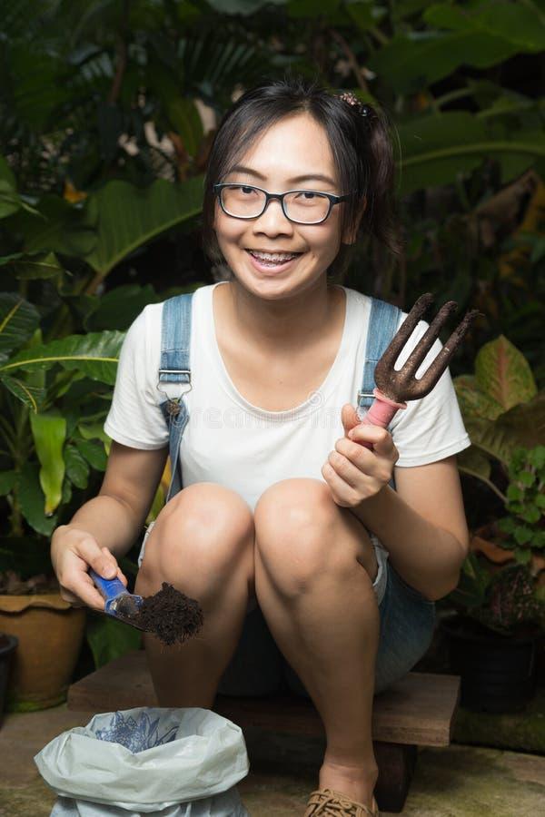 Дерево женщины естественное в саде дома стоковая фотография