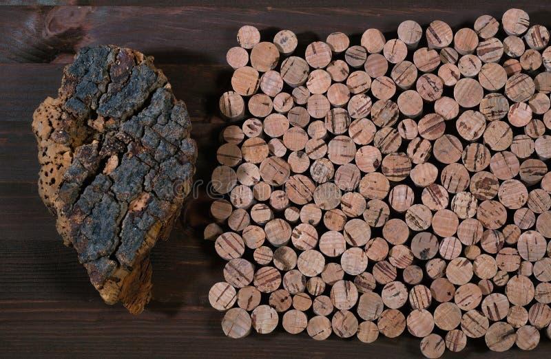 Дерево пробочки материала сделанного пробочки для вина и других контейнеров стоковая фотография