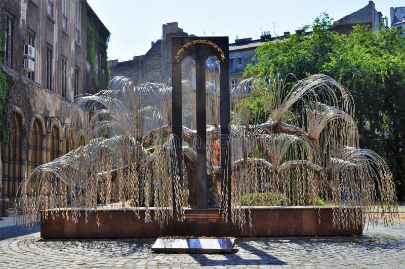 Дерево холокоста мемориала жизни - Будапешта стоковая фотография rf