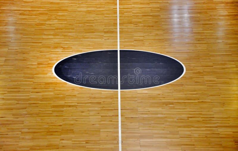 Деревянная баскетбольная площадка пола стоковая фотография rf