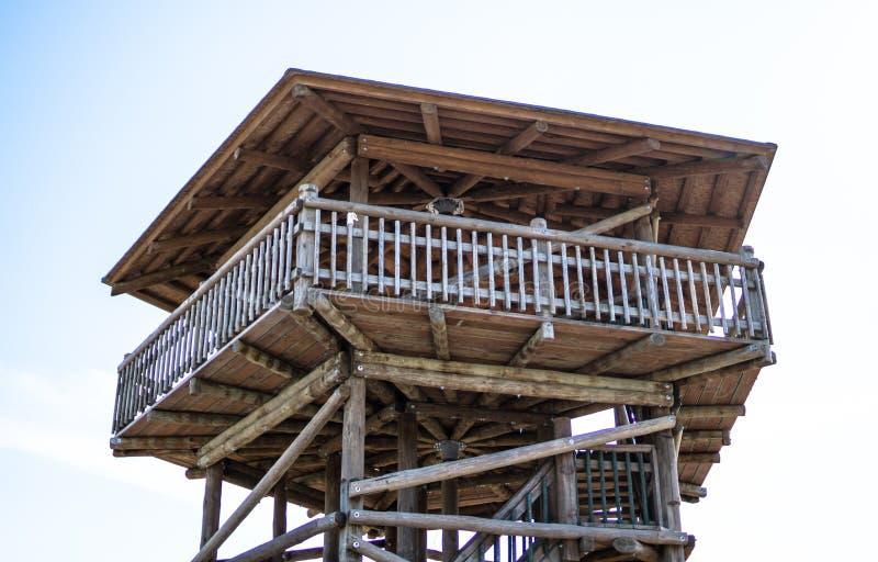 Деревянная башня взгляда в raba Viru - Эстонии стоковая фотография