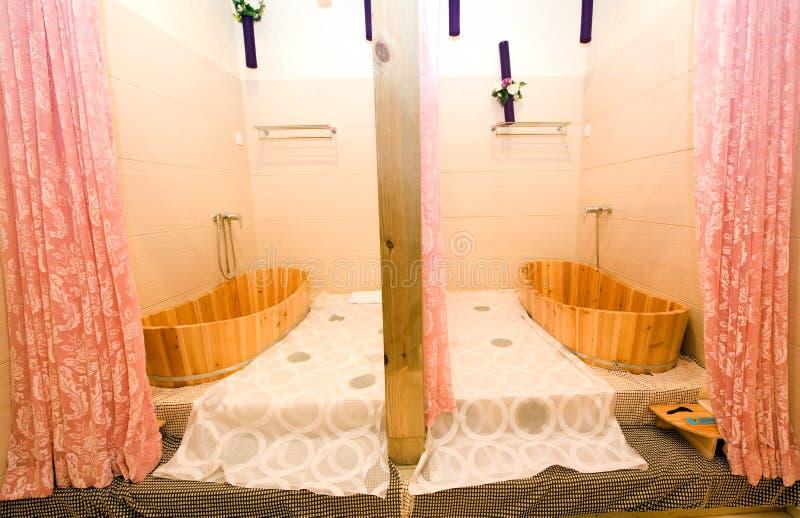 Деревянная ванна стоковое изображение