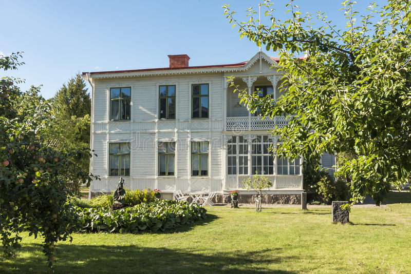 Деревянная вилла старое Linkoping Швеция стоковые фото
