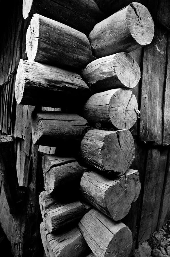 Деревянная деталь угла водяной мельницы стоковое фото rf