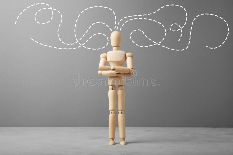 Деревянная диаграмма бизнесмена с мыслями о деле стоковые изображения rf