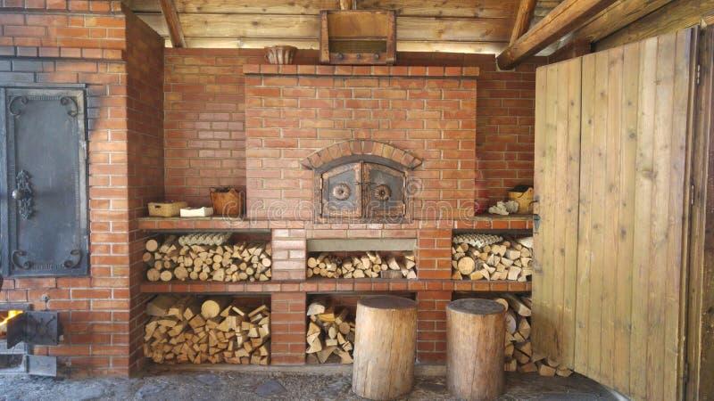 Деревянная печь стоковые фотографии rf