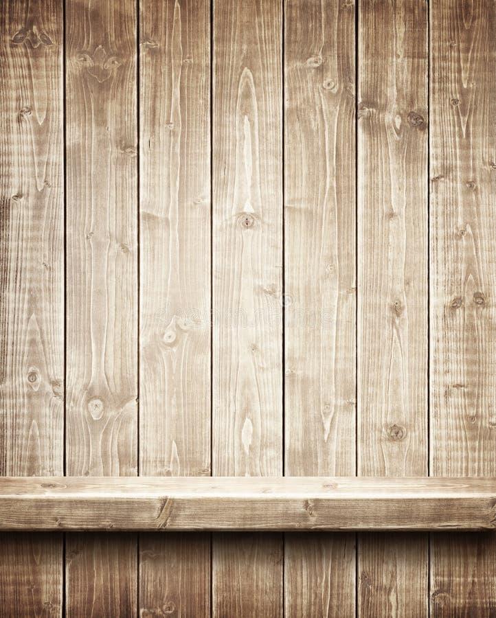 Деревянная полка стоковые изображения