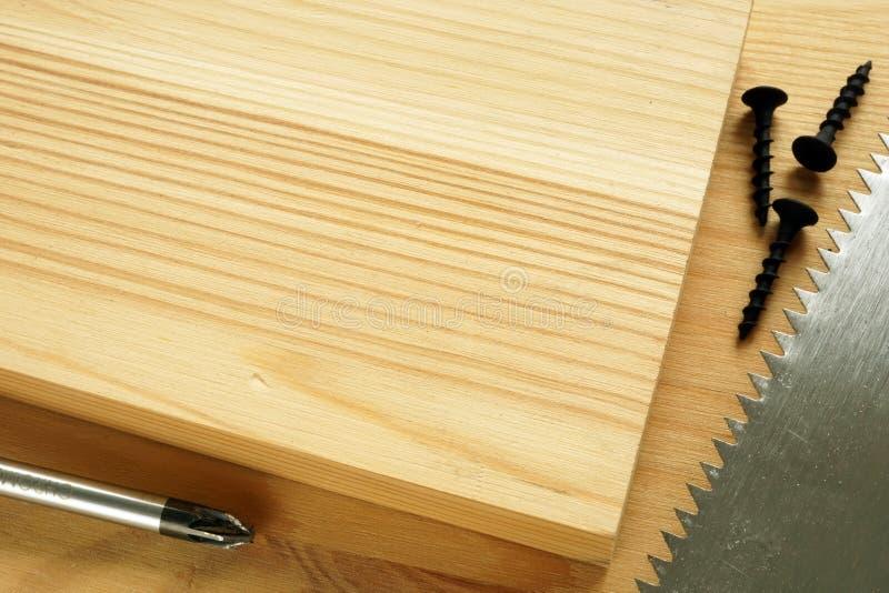 Деревянная предпосылка для деревянной деятельности и DIY Инструменты и планки стоковое изображение