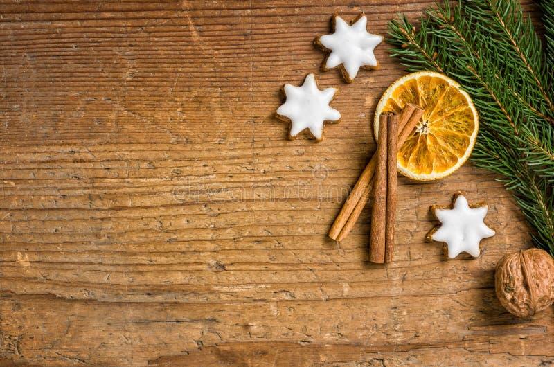 Деревянная предпосылка с украшением рождества стоковое изображение rf