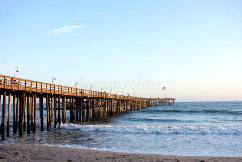 Деревянная пристань в Вентуре, CA стоковая фотография