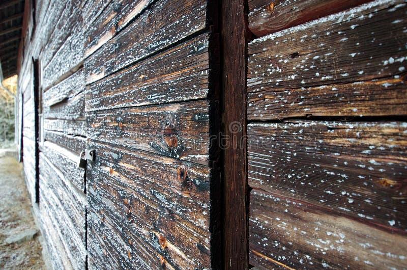 Деревянная стена кабины стоковая фотография rf