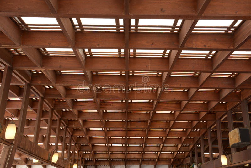 Download Деревянная структура крыши стоковое изображение. изображение насчитывающей картина - 40591363