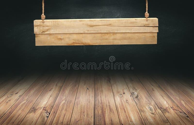 Деревянная таблица с висеть деревянный знак стоковые изображения