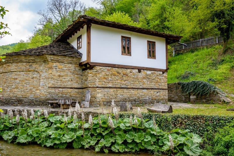 Деревянная терраса с половиком в Etar стоковые фотографии rf