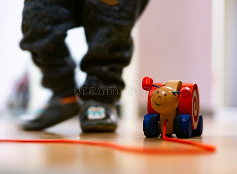 Деревянная улитка игрушки стоковое фото