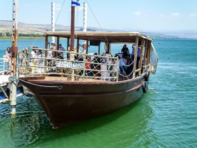 Деревянная шлюпка, море Галилеи в Израиле стоковое фото
