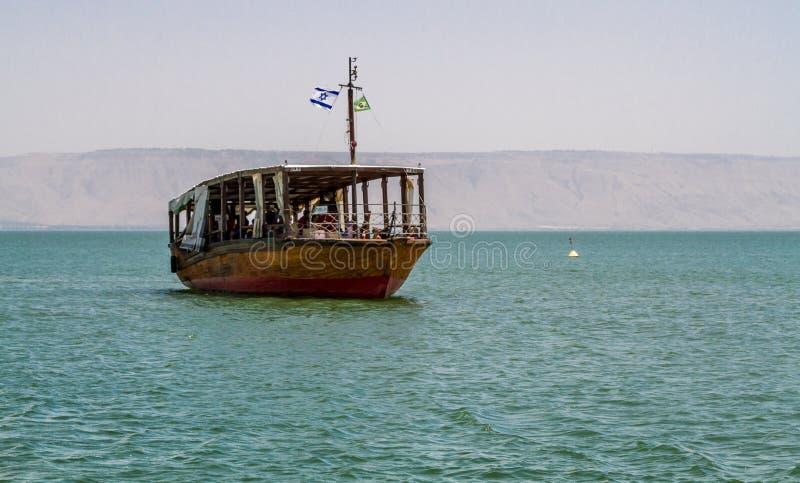 Деревянная шлюпка, море Галилеи в Израиле стоковая фотография
