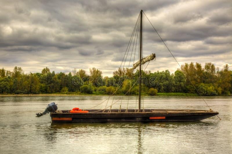 Деревянная шлюпка на Loire Valley стоковые фотографии rf
