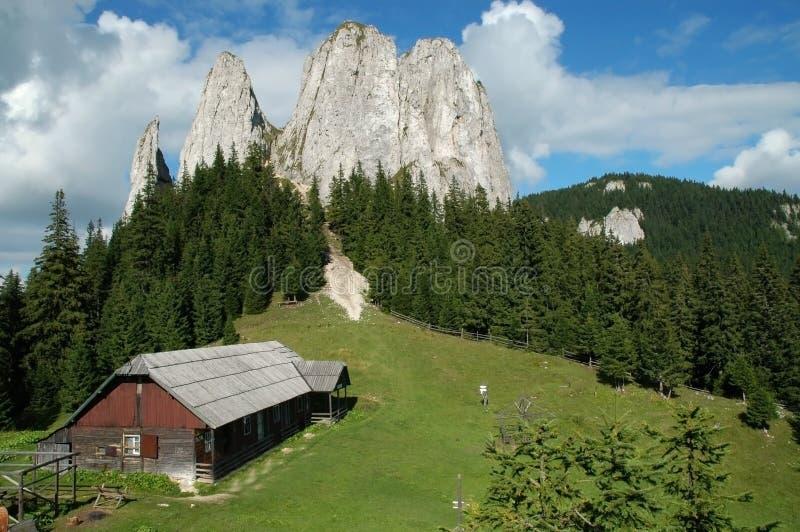 деревянное горы ландшафта дома старое стоковое изображение