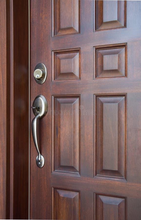 деревянное двери переднее стоковая фотография rf