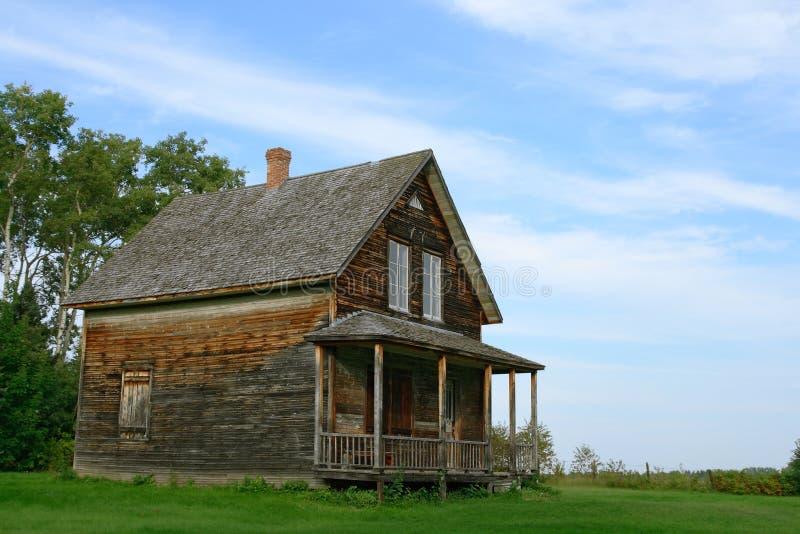 деревянное деревенского дома старое стоковое изображение rf
