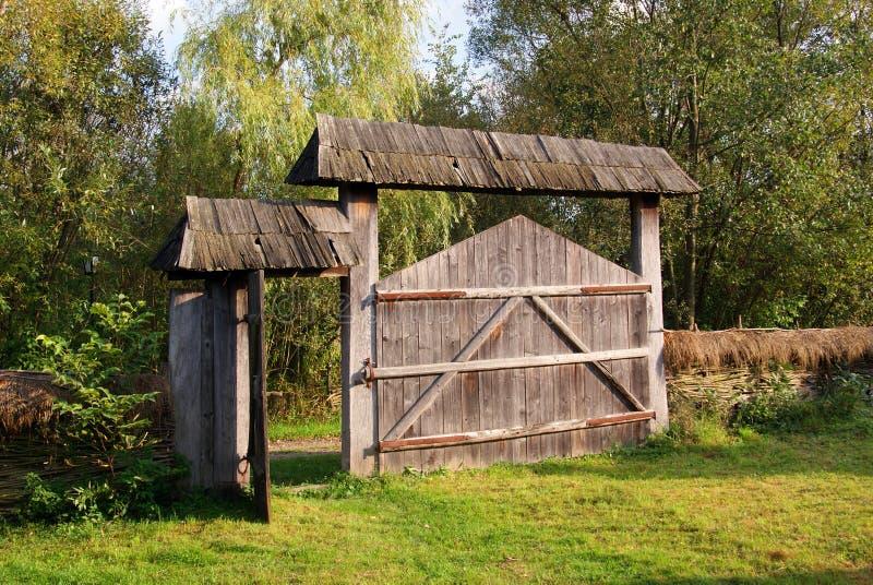 деревянное домочадца строба transylvanian стоковые фото