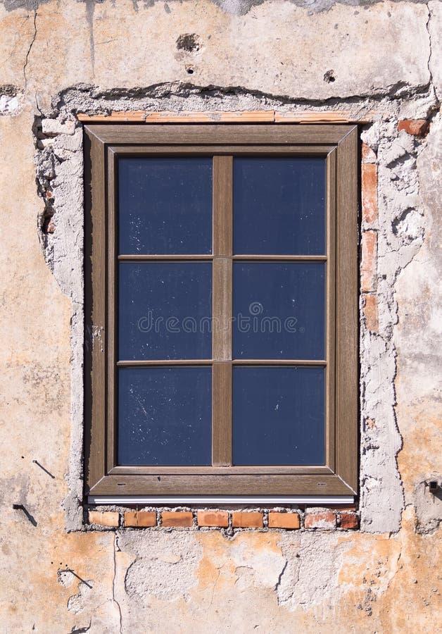 Деревянное окно стоковые изображения