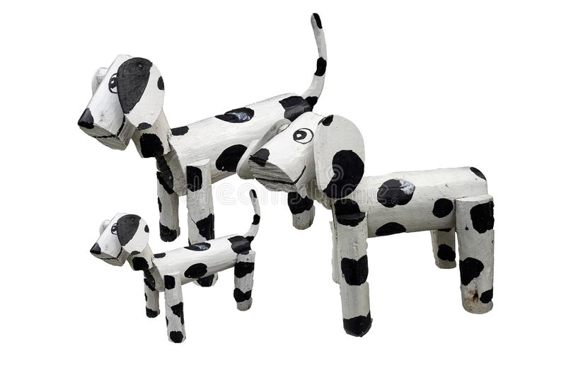 Деревянное положение семьи собак изолированное на белом backgtound стоковые изображения