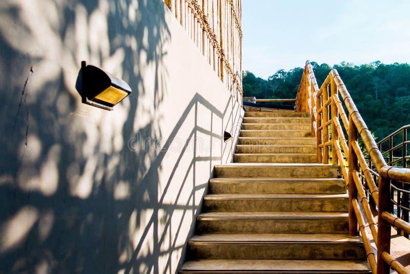 Деревянные бамбуковые детали архитектуры лестницы стоковые фото