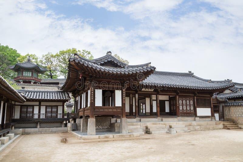Деревянные здания на дворце Changdeokgung в Сеуле стоковое изображение rf