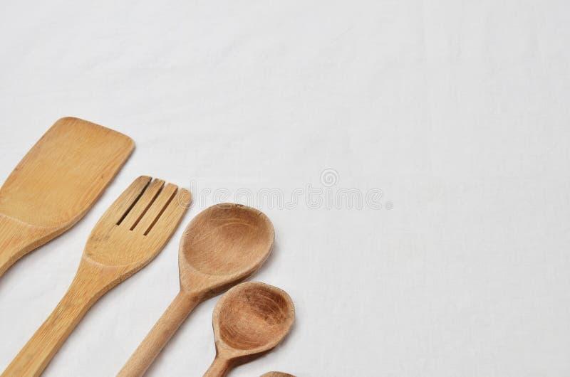 Деревянные инструменты кухни стоковые изображения rf
