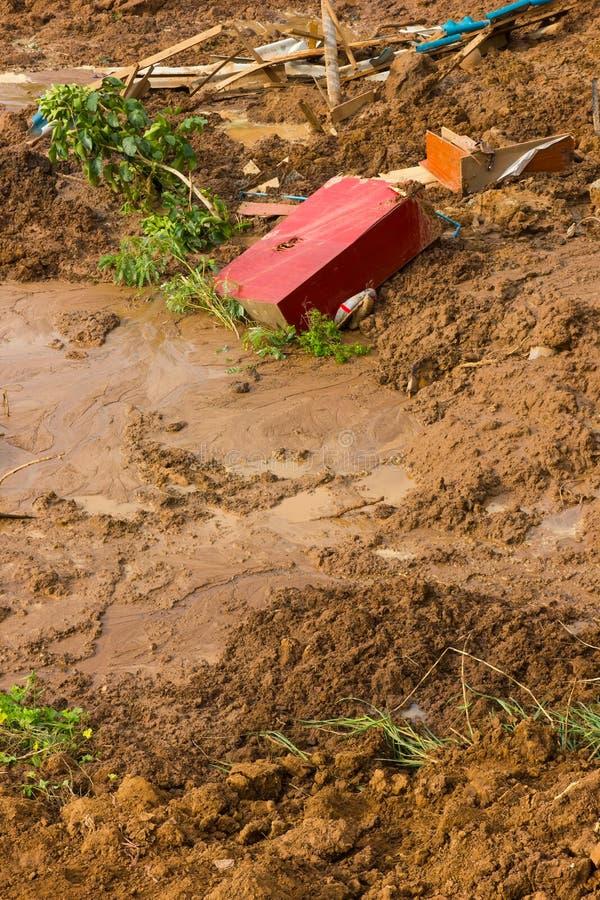Деревянные красные скольжения почвы стоковое изображение rf
