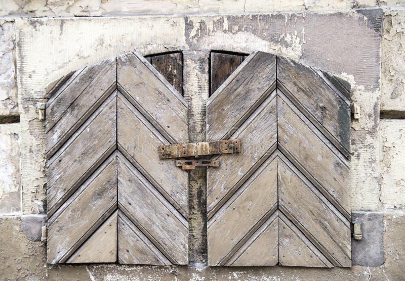 Деревянные текстурированные шторки покрашенные в белой краске стоковое изображение rf