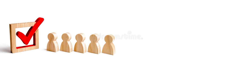 Деревянные человеческие диаграммы стоят в ряд рядом с деревянным тиканием в коробке концепция избраний и социальных технологий во иллюстрация вектора
