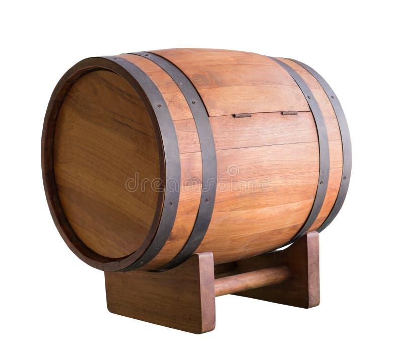 Деревянный бочонок вина при кольцо утюга изолированное на белизне с clippin стоковое изображение rf