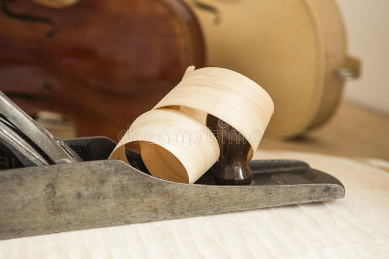 Деревянный брить завитый вокруг самолета плотничества стоковое изображение