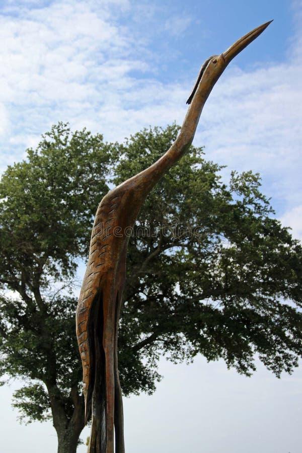 Деревянный высекаенный кран стоковые изображения rf