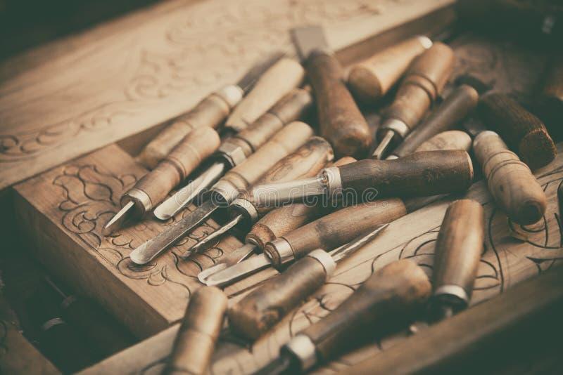 Деревянный гравировать инструменты стоковое фото rf