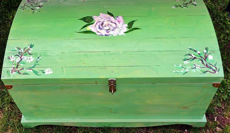 Деревянный комод стоковое фото