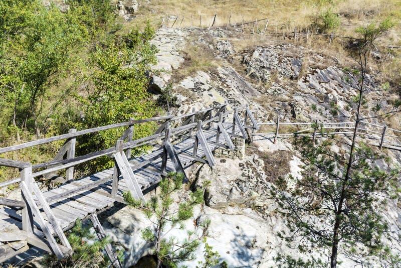 Деревянный мост в горе Болгарии Rhodope стоковое фото