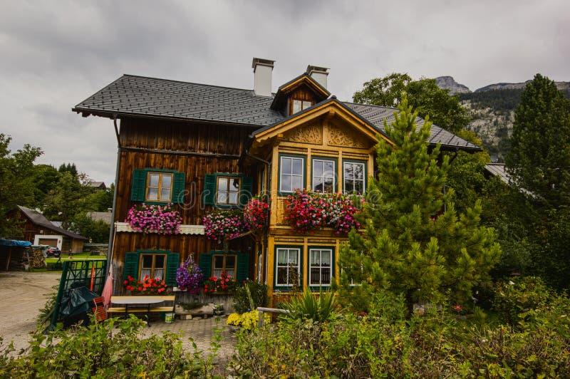 Деревянный дом в Altaussee, Австрии стоковые фотографии rf