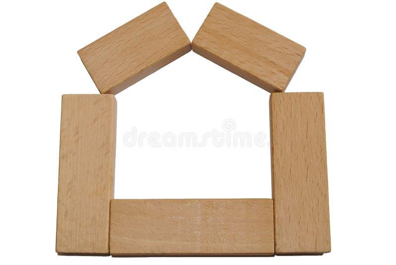Деревянный дом кирпичей стоковое фото