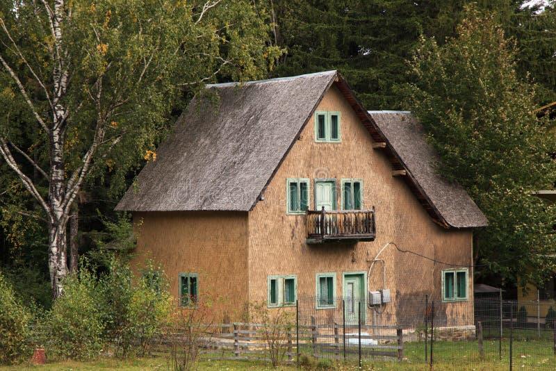 Деревянный дом стоковое изображение rf
