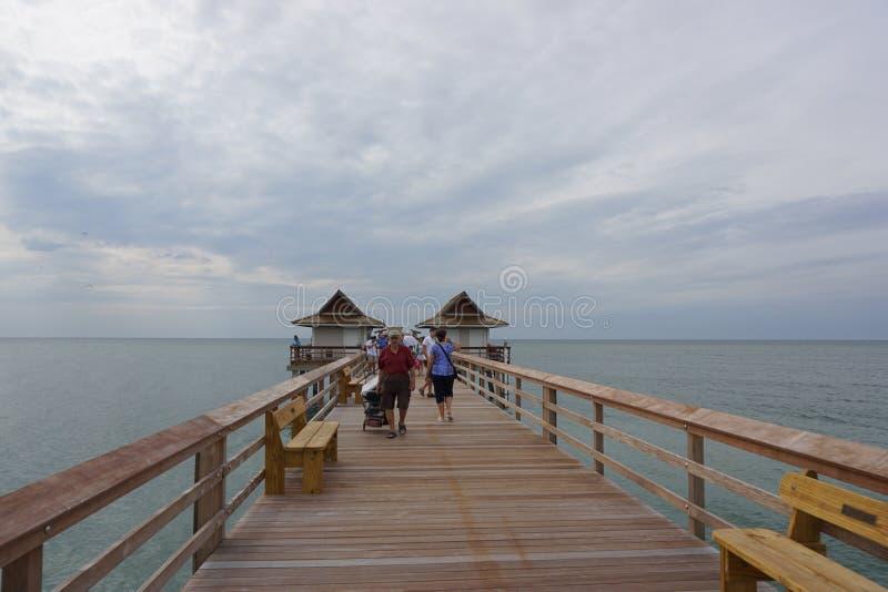 Деревянный понтон, Неаполь Флорида стоковые изображения rf