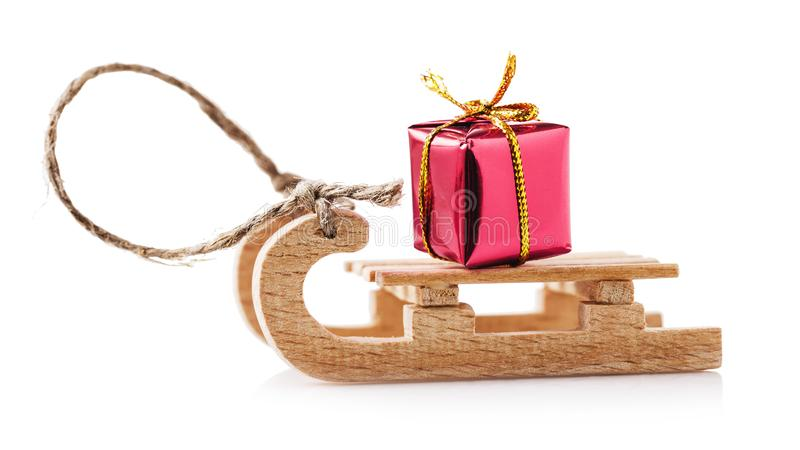 Деревянный скелетон при изолированный подарок Новых Годов стоковое фото rf